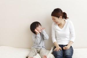 子供と幸せにくらす母